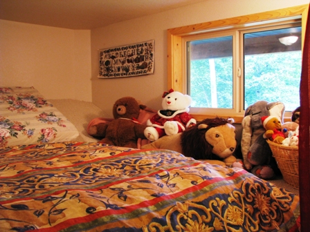 Creekside Suite Loft, with toys